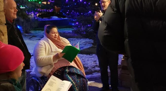 Christmas Caroling in Estes Park @JennyHatch
